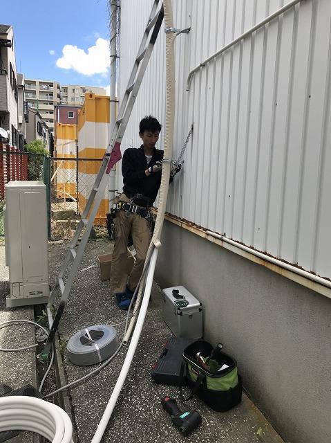 床置き型パッケージエアコン工事20180615 (3)